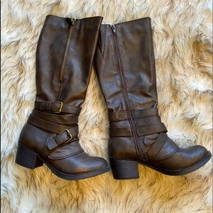 Women's Brown Boots Faux Leather Size 6